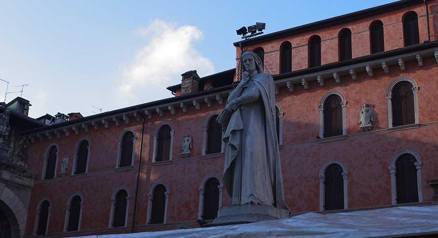 192_verona_dante-alighieri-un-guia-turistico-de-excepcion-para-visitar-verona