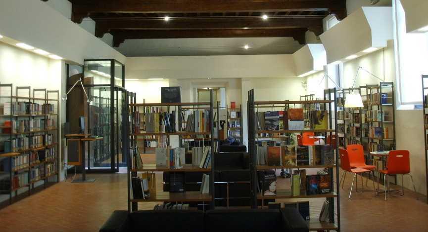 pisa_florencia-biblioteca-delle-oblate