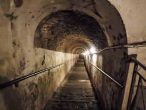 tunnel underground naples