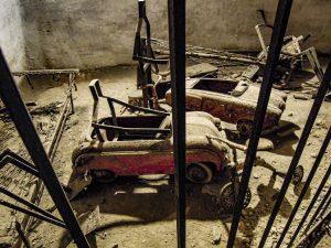 old cars underground naples