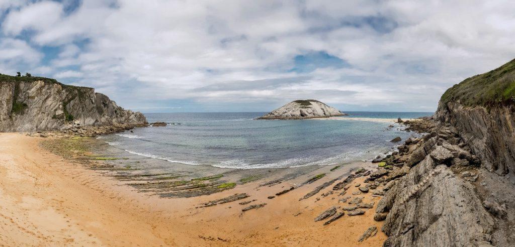 spiaggia covachos cantabria