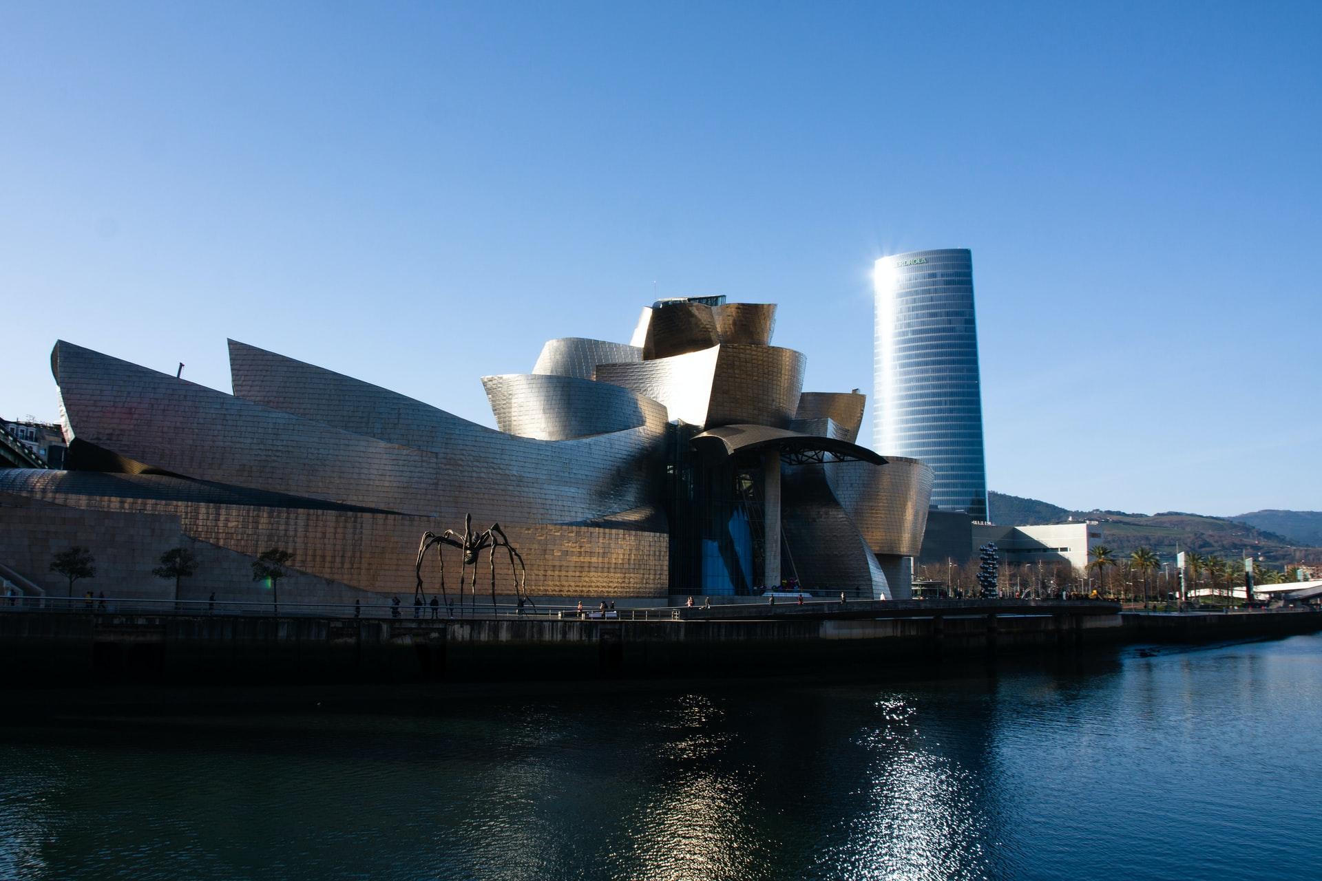 Le Guggenheim: quoi voir et où (bien) manger aux alentours