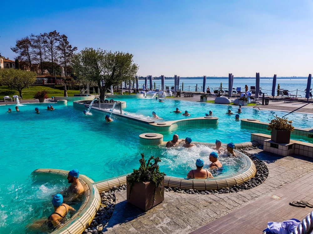 aquaria sirmione piscina