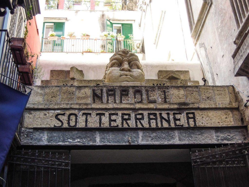 ingresso di Napoli sotterranea