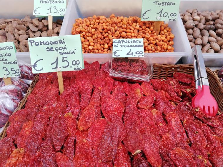 pomodori secchi pescheria catania