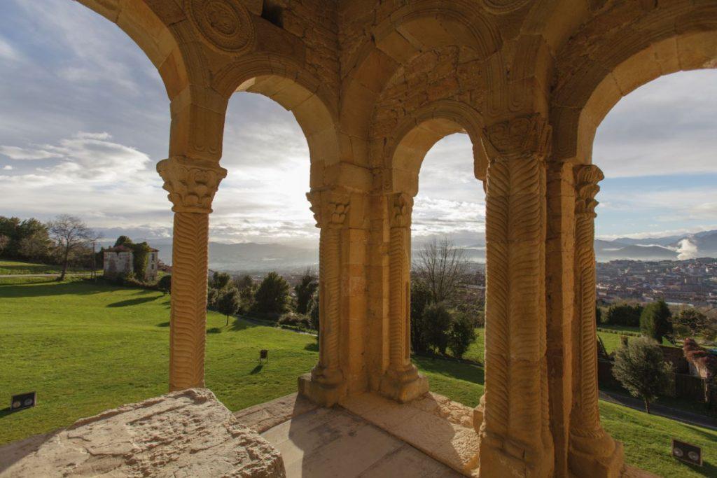 Vistas de Oviedo desde Santa María del Naranco