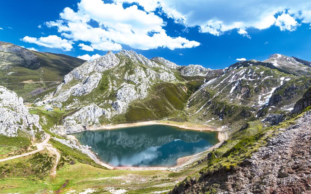 lago somiedo asturias