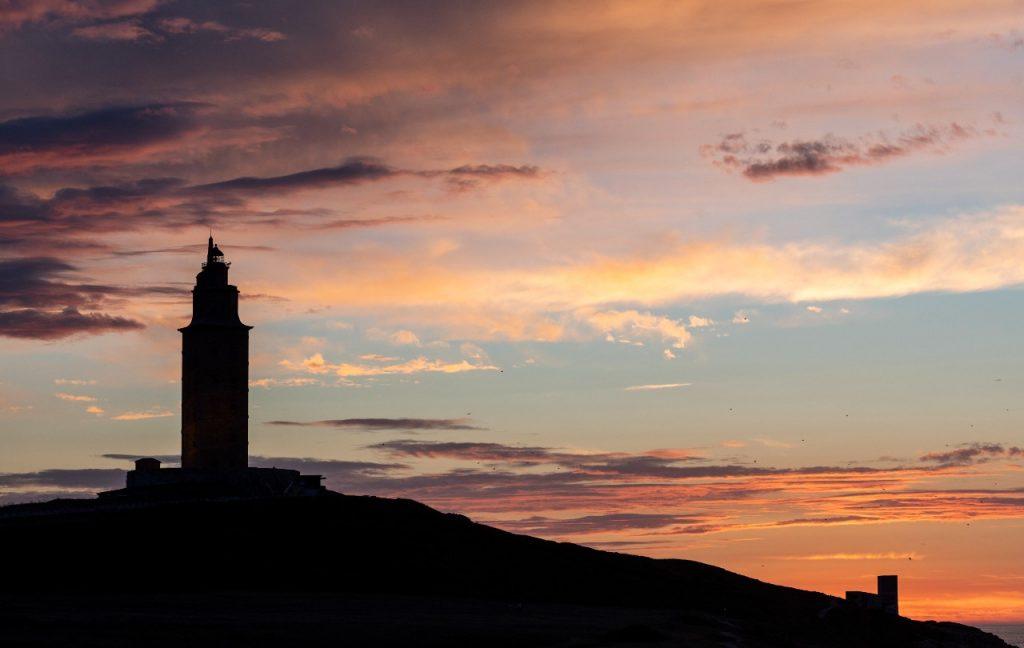 torre de hercules atardecer A Coruña